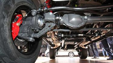 Sistem suspensi mobil menggunakan gardan solid (pinterest)