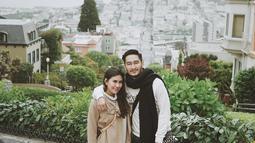 Adik Raffi Ahmad dan musisi itu mendatangi Lombard Street, yang sering kali di gunakan sebagai lokasi syuting film hollywood. (Instagram/ritchieismail)