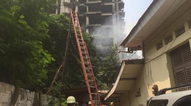 Kebakaran terjadi di sebuah rumah di kawasan Menteng, Jakarta Pusat