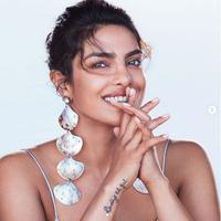 Tips Cantik: Kulit Wajah Glowing Tanpa Skincare dari Priyanka Chopra