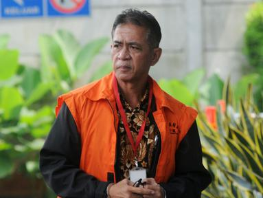 Bupati nonaktif Mesuji Khamami tiba di Gedung KPK, Jakarta, Kamis (21/2).  Khamami akan menjalani pemeriksaan lanjutan terkait dugaan suap proyek infrastruktur di Kabupaten Mesuji. (Merdeka.com/Dwi Narwoko)