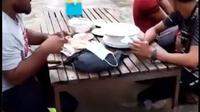 Viral Restoran di Tengah Sungai, Arusnya Deras dan Dianggap Berbahaya. (dok.Twitter @kegblgnunfaedh /https://twitter.com/kegblgnunfaedh/status/1342811151113940998/Henry)