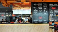Dancing Crab usung gaya Lousiana seafood restoran khas Singapura.