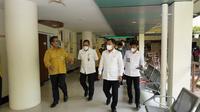 Dirut RSPI Sulianti Saroso, Mohammad Syahril bersama Menteri Kesehatan Terawan Agus Putranto. (Istimewa)