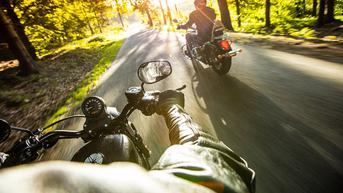 Agar Lebih Nyaman dan Bebas Bosan di Perjalanan Saat Touring Motor