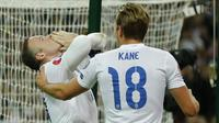 Striker tim nasional Inggris, Harry Kane (kanan) dan Wayne Rooney. (Skysports).