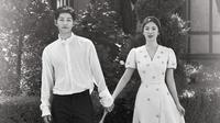 Song Joong Ki  dan Song Hye Kyo tak lepas dari pemberitaan publik. Sejak mereka mulai menjalin cinta sampi sekarang keduanya sudah resmi menjadi pasangan suami istri dan selesai juga melakukan bulan madu. (Doc. Soompi)