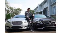 Miliki Mobil Seharga Rp 3,4 Miliar, Ini 6 Potret Verrell Bramasta Bareng Koleksi Kendaraan Mewah (sumber: Instagram.com/bramastavrl)