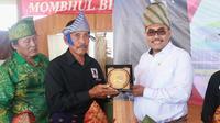 Wakil Ketua MPR Jazilul Fawaid menyambangi Perguruan Pencak Silat Bawean.