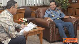 Citizen6, Jakarta: Panglima TNI menerima kunjungan Presiden The Eleventh Asia Pacific Conference on Emergency and Disaster Medicine (APCEDM XI) Dr. Abdul Radjak, DSOG beserta rombongan di Mabes TNI Cilangkap, Jakarta Timur, Jum'at (8/4). (Pengirim: Badar)