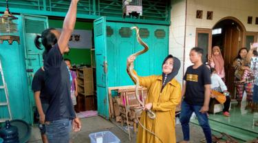 Mengaku Tak Segesit Dulu, Iin Ayu Kurangi Bermain King Kobra