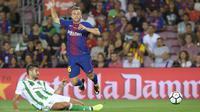 Gerard Deulofeu  (kanan) masih belum berjodoh dengan Barcelona (AFP/Lluis Gene)