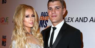 Paris Hilton akan memulai hidup baru usai menikah dengan Chris Zylka dalam waktu dekat. (Extra)
