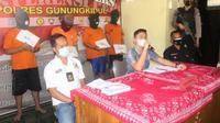 team Buser Polres Gunungkidul melakukan penangkapan tersangka di wilayah Gedangsari dan diamankan ke Polres Gunungkidul untuk dilakukan Penyidikan.
