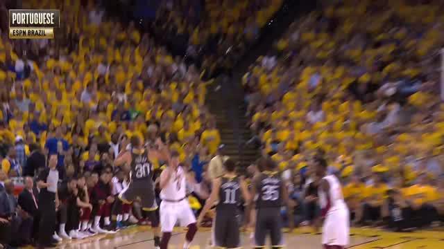 Berita video beragam reaksi komentator dari beberapa negara terhadap aksi three-point Stephen Curry pada game kedua Final NBA 2017-2018.