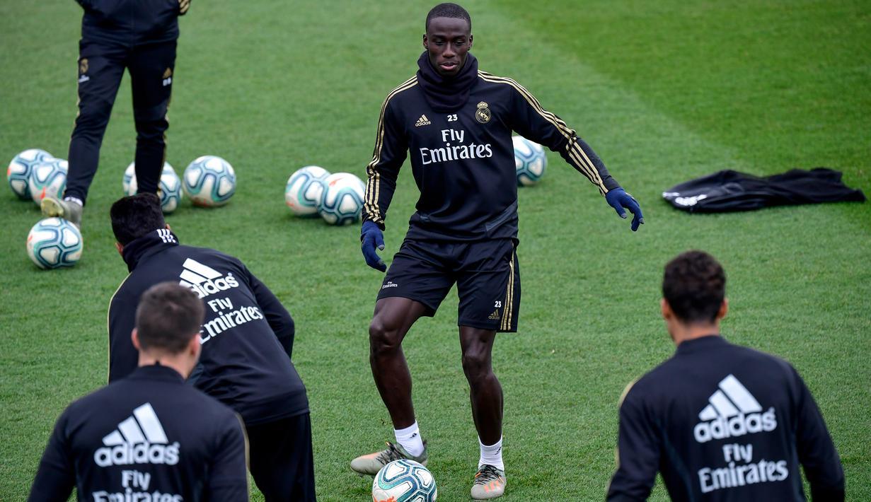 FOTO Intip Pemain Real Madrid Latihan Jelang El Clasico