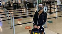 Farah Quinn saat mendarat di Bandara San Fransisco, AS. (dok. Instagram @farahquinnofficial/https://www.instagram.com/p/CDXlZWYha8c/Dinny Mutiah)