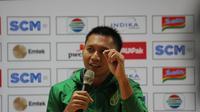 Presiden Persebaya, Azrul Ananda beri penjelasan soal transfer Andik Vermansah (Liputan6.com/Dimas Angga P)