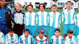 Marsonia. Adalah klub profesional pertama Mario Mandzukic yang berlokasi di kota kelahirannya, Slavonski Brod. Ia membela Marsonia di Divisi II Kroasia selama 1 musim pada 2004/2005 dan tampil dalam 23 laga dengan mencetak 14 gol. Musim berikutnya ia hijrah ke NK Zagreb. (Foto: en.24smi.org)