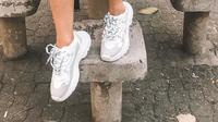 Simak tren sneakers balky di kalangan perempuan (Foto: Instagram/cindystylo)