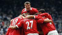 3. Roy Keane (1997-2005), gelandang bertahan kebangsaan Irlandia ini merupakan kapten yang melekat semasa kepemimpinan era Sir Alex Ferguson. Dirinya merupakan komando bagi lini tengah Setan Merah. (AFP/Paul Barker)