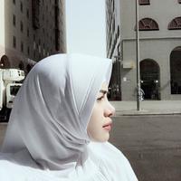 Bulan Ramadan selalu disambut gembira oleh umat Islam. Di bulan penuh berkah dan ampunan itu artis Nikita Mirzani mengaku sedih hingga mengeluarkan air mata. (Instagram/nikitamirzanimawardi_17)