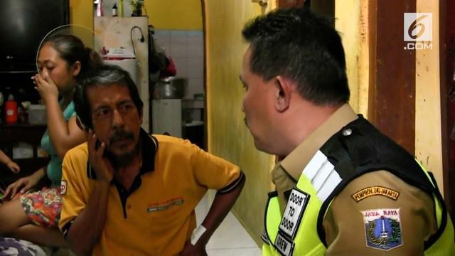 Petugas pajak kebingungan saat menagih pajak senilai Rp 107 juta pada seorang warga yang tak merasa mengangsur.