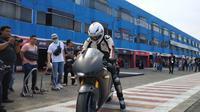 Menjajal sensasi Honda RC213V-S di Sirkuit Sentul dalam acara Honda ICE Day 2018. (Arief Aszhari?Liputan6.com).