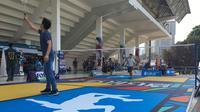 Lapangan Air Badminton yang diperkenalkan di Indonesia Open 2019. Air Badminton menjadi pengembangan baru dari cabang olahraga bulutangkis yang tengah dilakukan oleh BWF