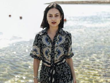 Pemilik nama lengkap Clara Josephine Bernadeth ini mengawali karirnya sebagai bintang iklan. Pada 2016, ia pun merambah ke dunia akting dengan memulai debutnya dalam film 2 Batas Waktu: Amanah Isa Al-Masih. (Liputan6.com/IG/@clarabernadeth)