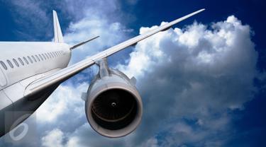 Pesawat Tergelincir dan Jatuh