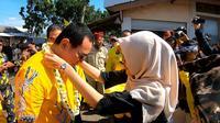 Tommy Soeharto menghadiri panen raya di Desa Sukasirna, Kecamatan Sukaluyu, Kabupaten Cianjur, Jawa Barat, Senin (25/3/2019). (Ist)