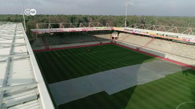 Berita video seri Life is a Pitch dari DW kali ini memperkenalkan stadion bersejarah di Berlin yang direnovasi oleh fans-nya, An der Alten Forsterei.