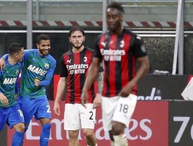 FOTO: Unggul Lebih Dulu, AC Milan Takluk 1-2 dari Sassuolo - Giacomo Raspadori