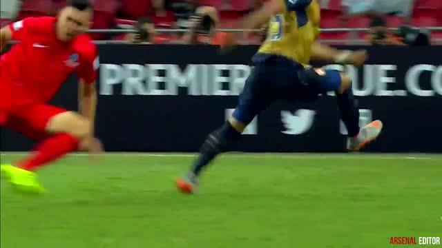 Aksi gemilang Alex-Oxlade Chamberlain gelandang serang Arsenal di sesi pra musim.
