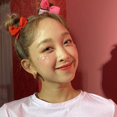 Dita Karang Debut Jadi Bintang Iklan Kosmetik Korea Selatan