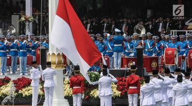 Berbaju Adat Bali, Presiden Jokowi Pimpin Upacara HUT ke-74 RI