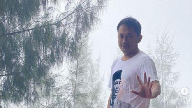 Demi Konten, Hanung Bramantyo Nyemplung ke Kolam dengan Suhu 10 Derajat Celcius