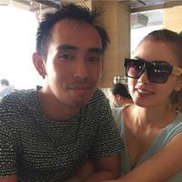 Bella Shofie menikah dengan Suryono, pengusaha kaya yang sudah beristri. Bella Shofie merupakan istri kedua Suryono. (via instagram/@bellashofie_suryo)