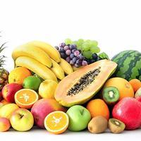 Buah merupakan buah yang baik dikonsumsi siapa saja, khususnya untuk anak-anak! Buah harus menjadi bagian dari makanan yang wajib dikonsumi oleh si Kecil setiap harinya, seperti pisang, apel, mangga dan jeruk. (Foto: via Shutterstock)