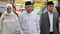 Mantan Ketua Umum PP Muhammadiyah Din Syamsuddin menghadiri persemayaman Ani Yudhoyono di Puri Cikeas, Bogor, Jawa Barat, Minggu (2/6/2019). Sejumlah tokoh terus berdatangan jelang pemakaman istri presiden ke-6 RI Susilo Bambang Yudhoyono (SBY) tersebut. (Liputan6.com/Immanuel Antonius)