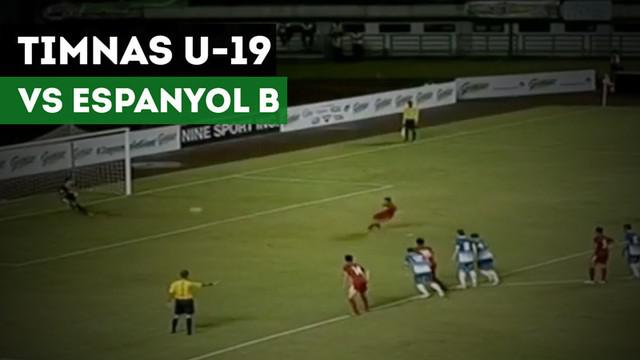 Berita Video Timnas Indonesia U-19 kalah 2-4 dari Espanyol B di Bandung, Jawa Barat, Jumat (14/7/2017). Seperti apa 2 gol Timnas U-19?