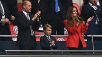 Pangeran William, Pangeran George dan Kate Middleton nonton langsung Inggris saat kalahkan Jerman di 16 besar Euro 2020 (AFP)