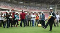 Rumput di Stadion Utama Papua Bangkit sama seperti di GBK, yaitu berstandar FIFA.