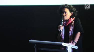 Produser film Mira Lesmana memberikan sambutan saat jumpa pers festival sinema Australia Indonesia di Jakarta, Jumat (8/3). Festival Sinema Australia kembali hadir di tahun keempat. (Liputan6.com/Herman Zakharia)