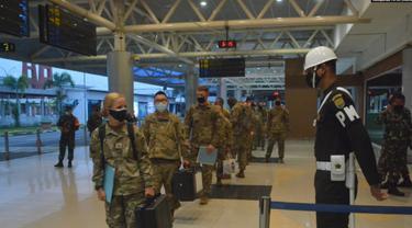 "330 tentara Amerika hari Sabtu (24/7) tiba di bandara Sultan Mahmud Badaruddin II, Palembang, Sumatera Selatan, untuk mengikuti Latihan Bersama ""Garuda Shield"" ke-15 tahun 2021. (Foto: Courtesy/Kadispenad TNI AD)"