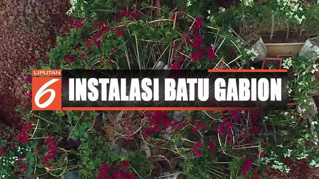 Pemerintah Provinsi DKI Jakarta mengeluarkan dana sebesar Rp 150 juta untuk pemasangan karya seni ini.