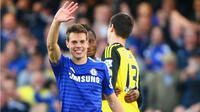 """""""Saya tidak memikirkan apapun selain bertahan di Chelsea,"""" ujar Azpilicueta."""