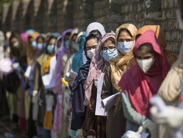 FOTO: Melihat Seleksi Peserta Program Sarjana Medis di Kashmir