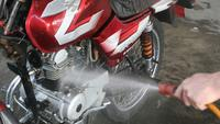 Cuci motor (Foto: motorcyclevalley).